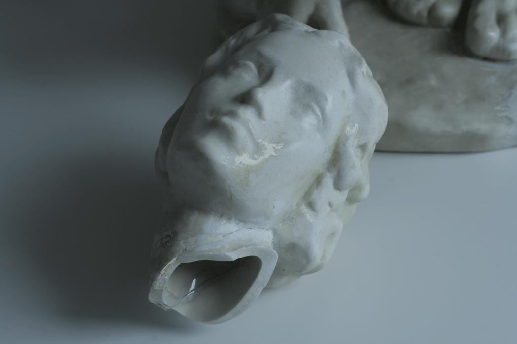 Abgebrochener Kopf einer Skulptur - Restaurator Jakob Wedemeyer restauriert und konserviert Gemälde und Skulptur in Ravensburg Süddeutschland